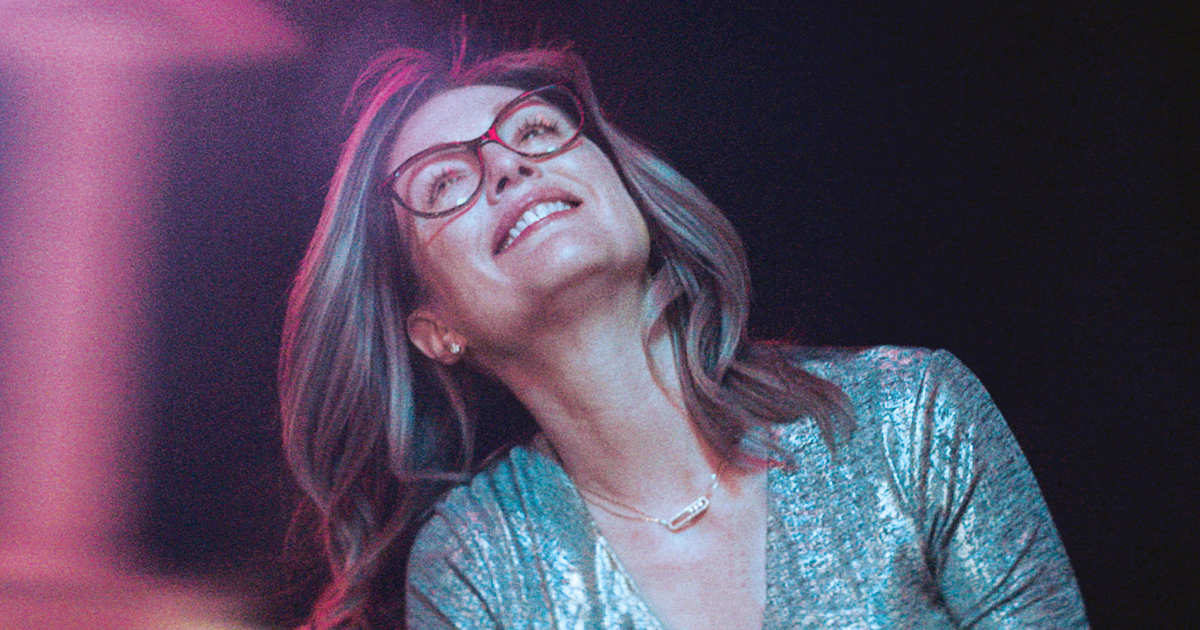 Gloria Bell Review Still 1