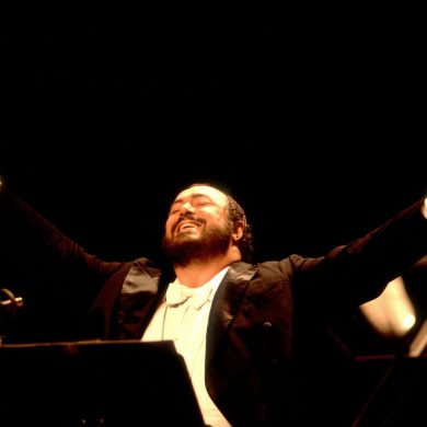 PAVAROTTI LARGE COVER OPERA